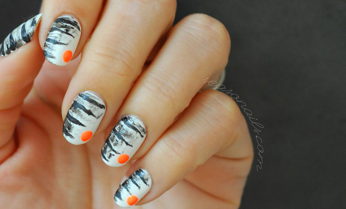 abstract zebra summer nails