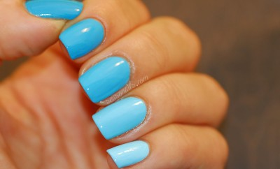 blue gradient nails Zoya Robyn