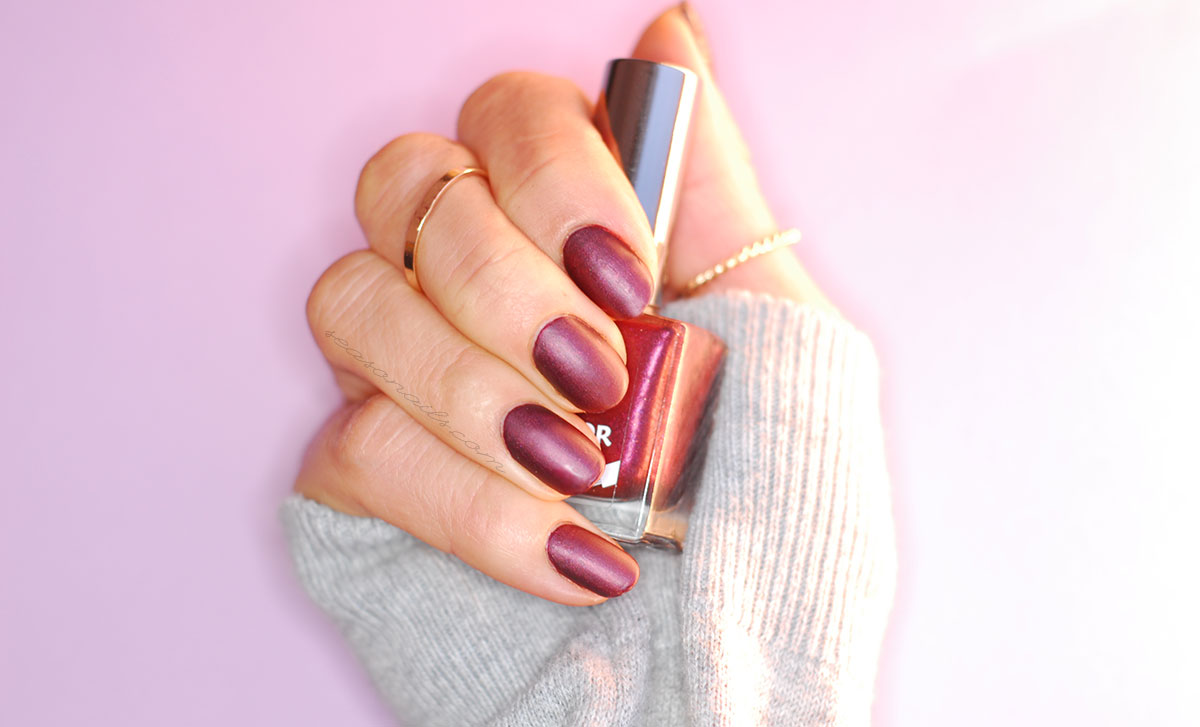 burgundy nails for fall