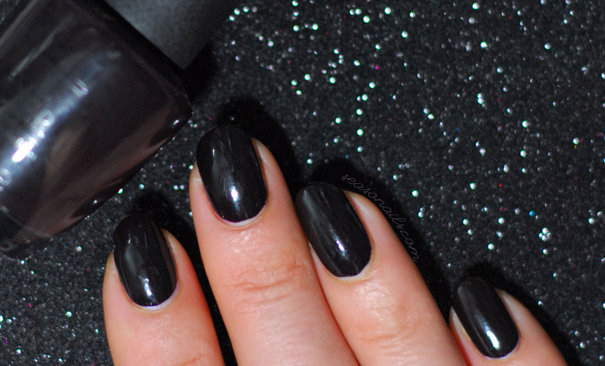 dark nails opi lincoln park after dark