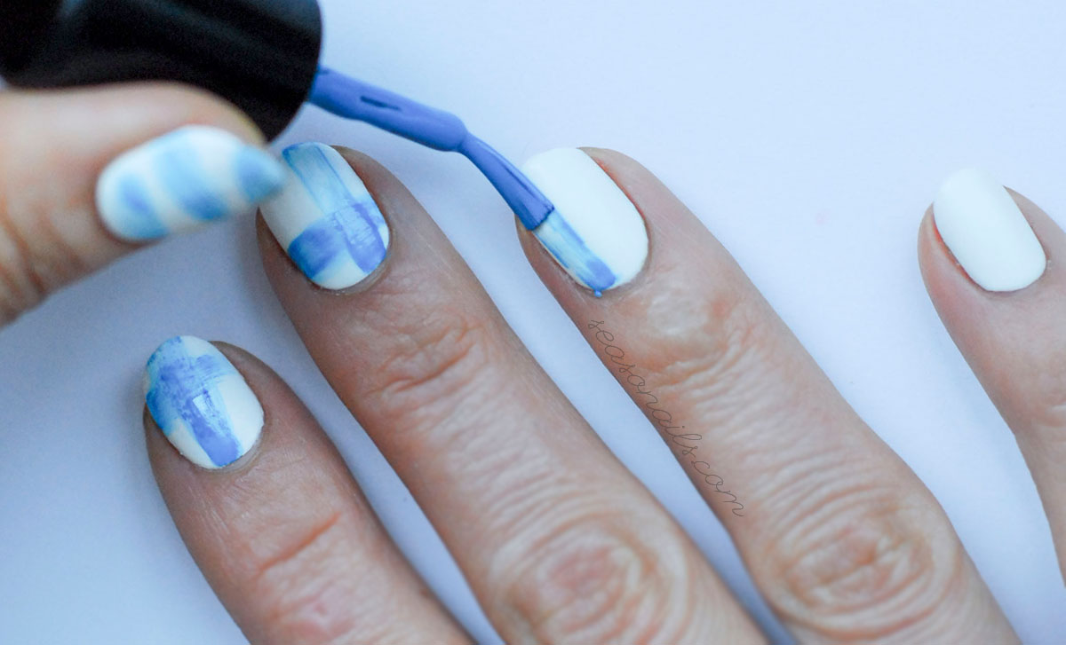 dry brush abstract navy nails