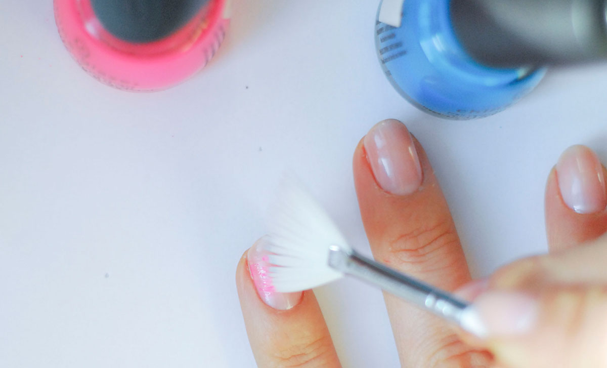 dry brush technique on nails