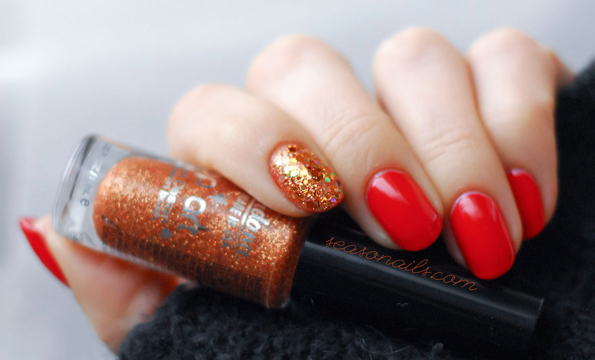 festive party nails red copper glitter