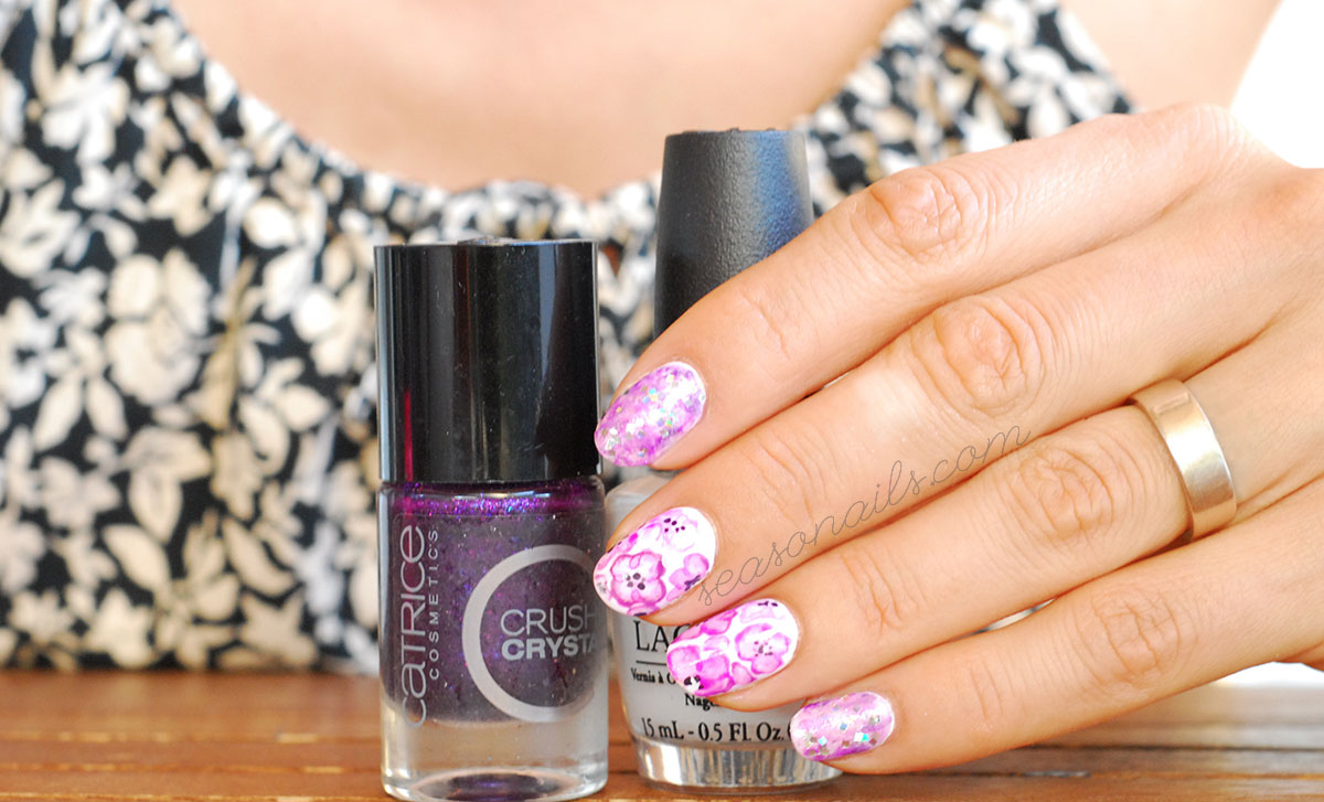 flowers narbled purple nail art