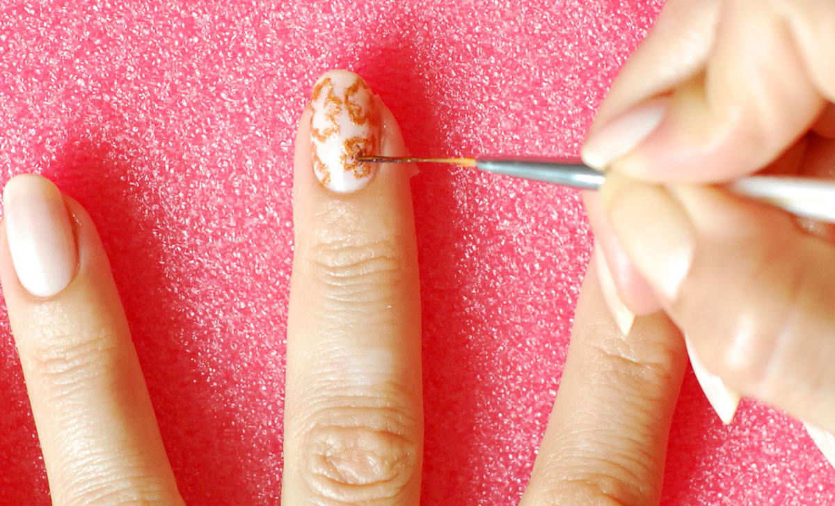 how to nail art flowers contour