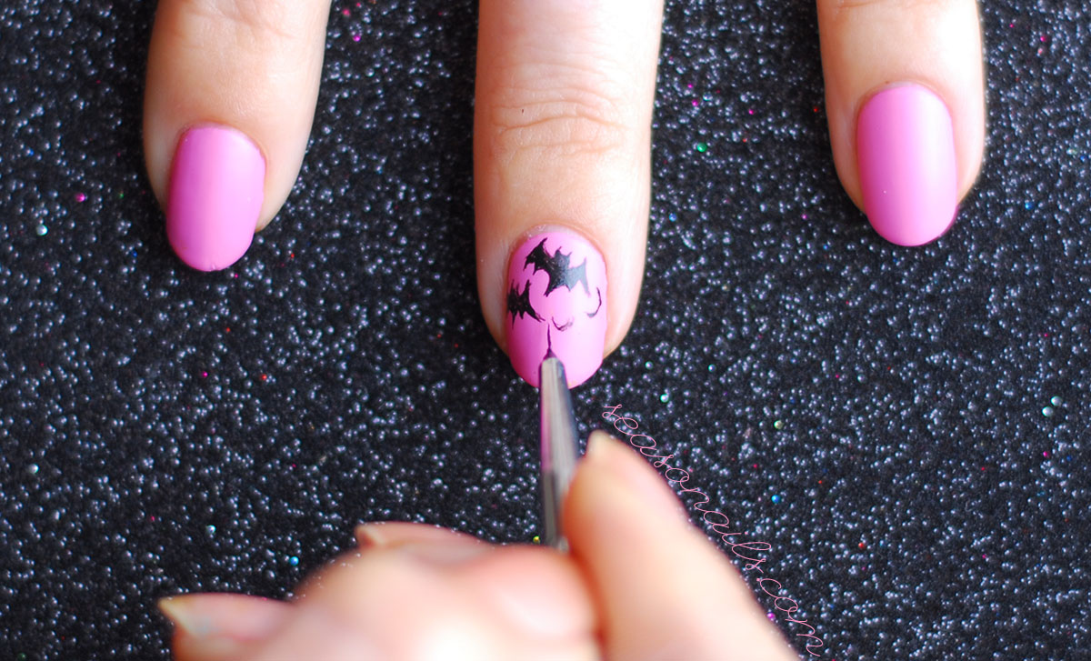 how to paint bats on nails