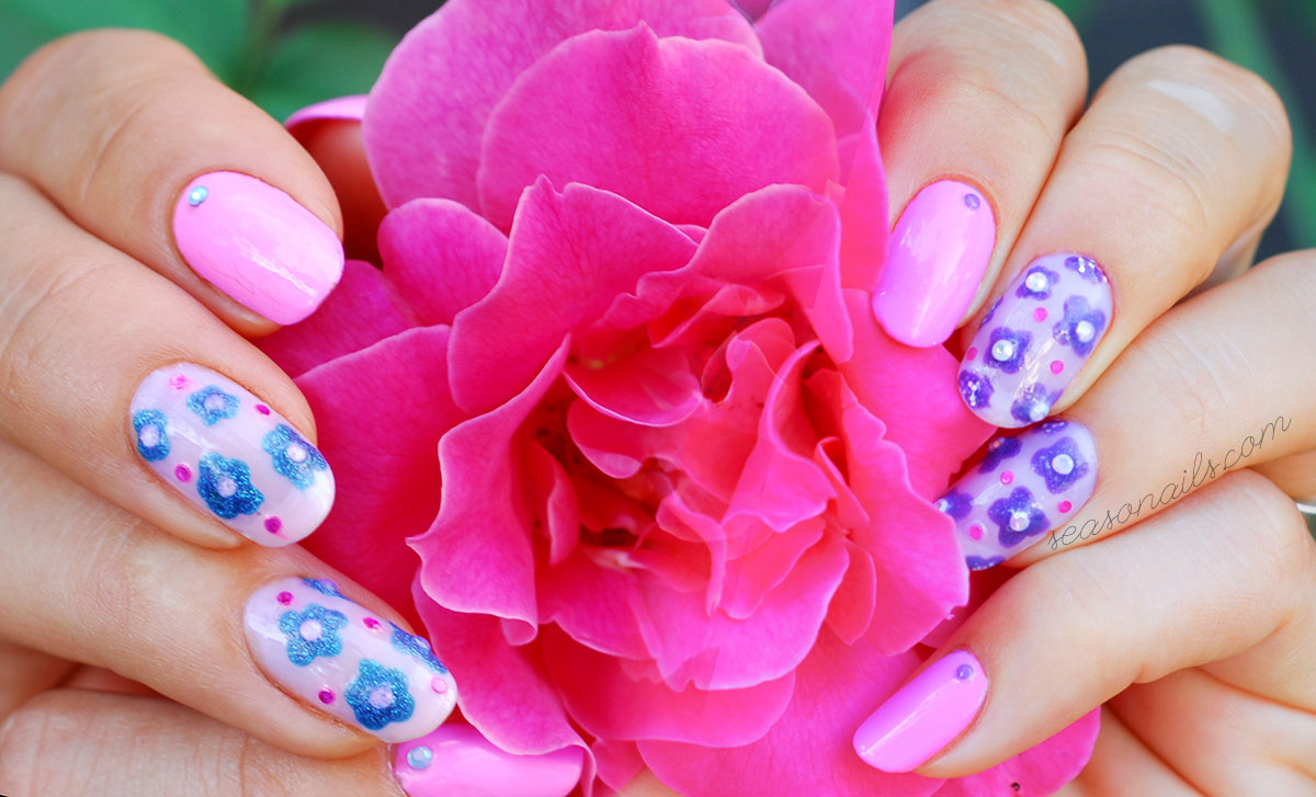 negative space flowers summer nails