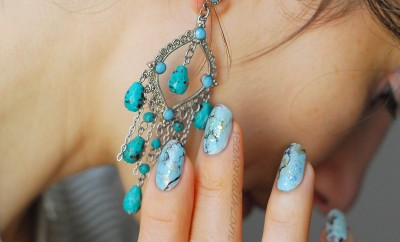 pastel blue marbled stone nails