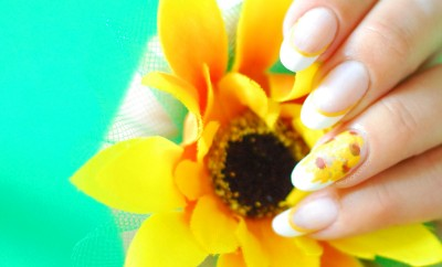 sunflower nails summer french manicure