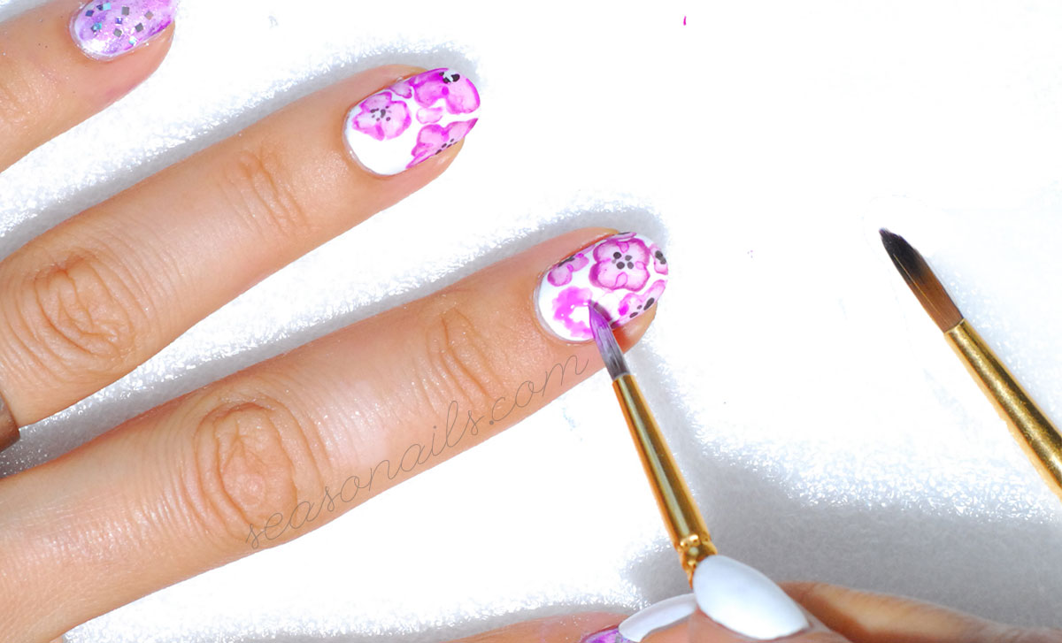 watermarble flowers purple nail art